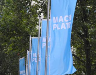MACH PLATZ auf dem Gerhart-Hauptmann-Platz